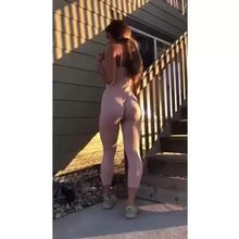 Sommer Ray Booty Shaking