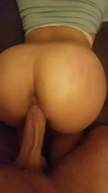 (f)ound some wiggle roo(m)