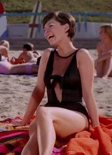 Yvonne Craig's jiggly giggly Batgirl plot - Batman (1966)