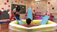 [FSET-377] Guy vs nine schoolgirls in a lube-filled blow-up pool