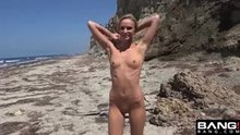 Teen blondie fucked on the beach