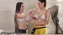 Serena Blair does a good job of oiling down Vanessa Veracruz